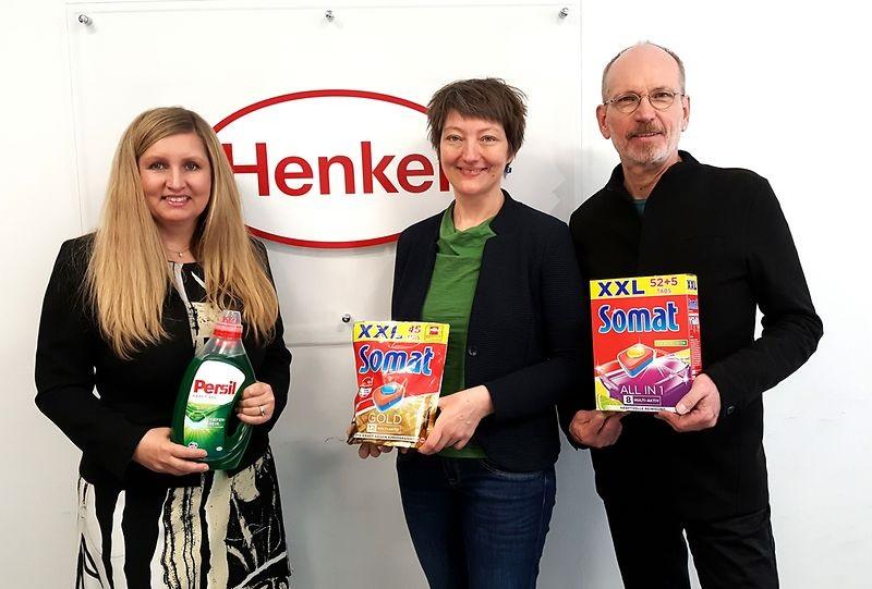Übergabe der Spenden durch Henkel